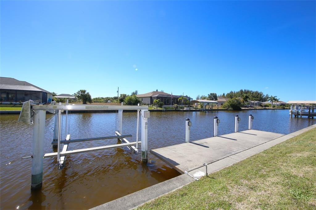 Dock With Lift - Single Family Home for sale at 15794 Viscount Cir, Port Charlotte, FL 33981 - MLS Number is D5916496