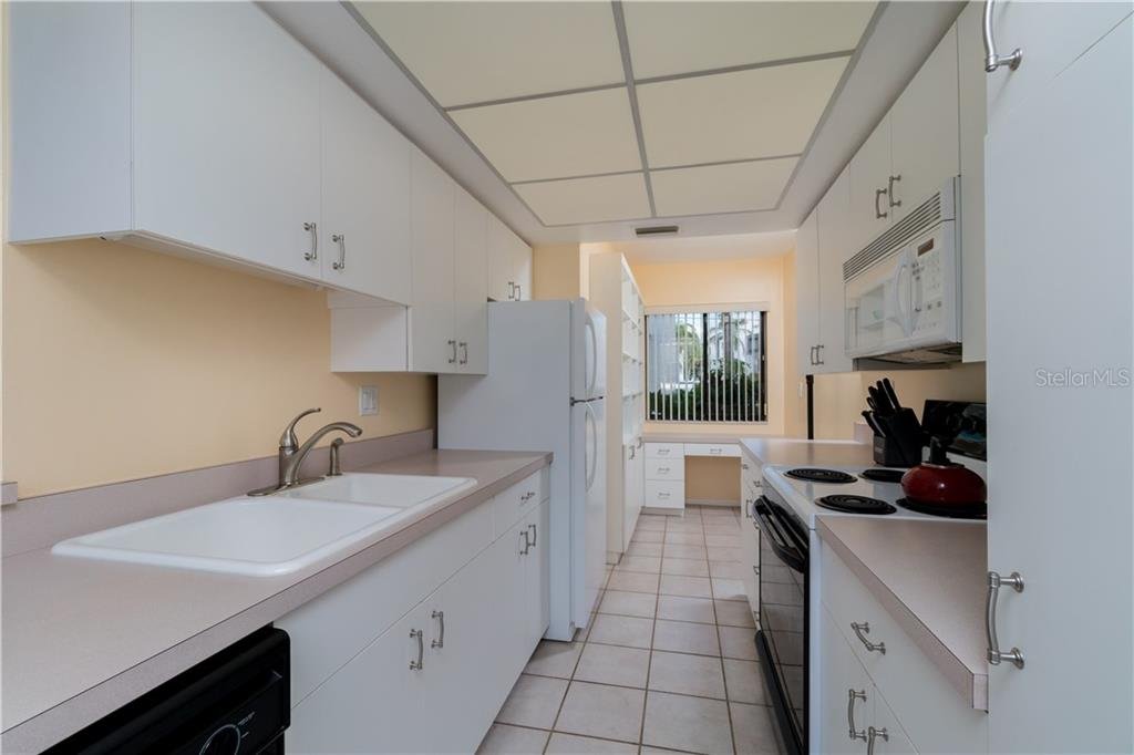 Kitchen - Condo for sale at 2955 N Beach Rd #b612, Englewood, FL 34223 - MLS Number is D6101147