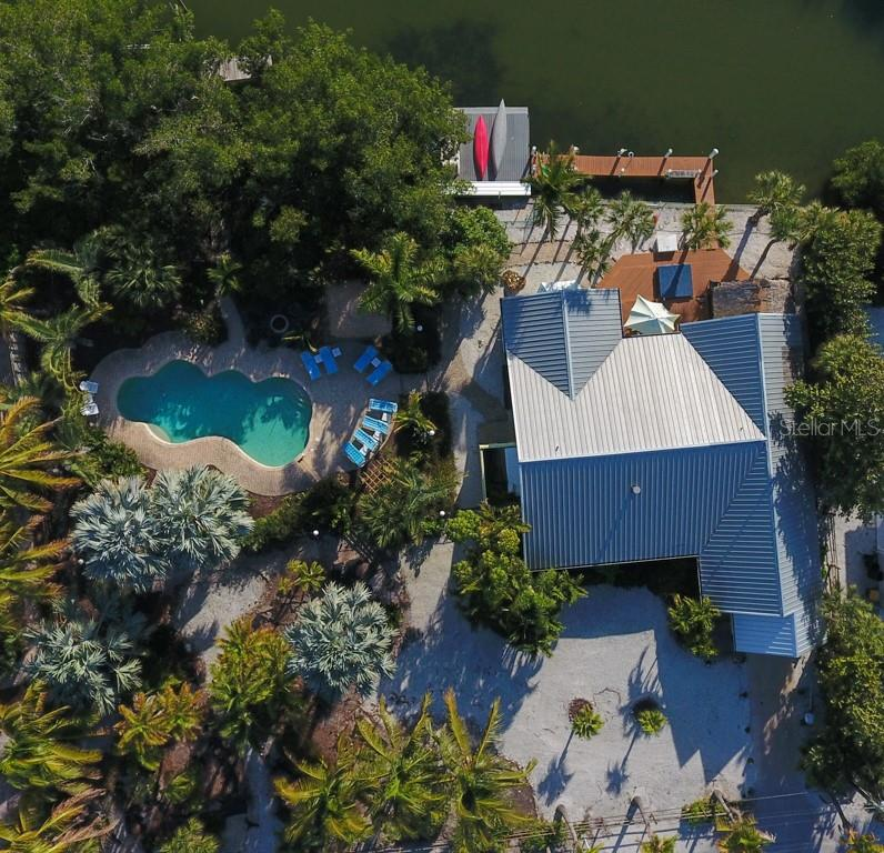 Single Family Home for sale at 101 N Gulf Blvd, Placida, FL 33946 - MLS Number is D6103476