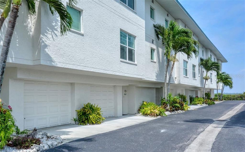 Townhouse for sale at 8017 Bay Pointe Dr, Englewood, FL 34224 - MLS Number is D6103504