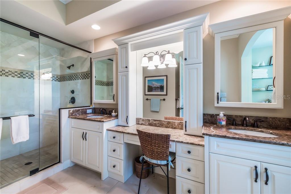 Master bathroom - Single Family Home for sale at 450 Tarpon Ave, Boca Grande, FL 33921 - MLS Number is D6103652
