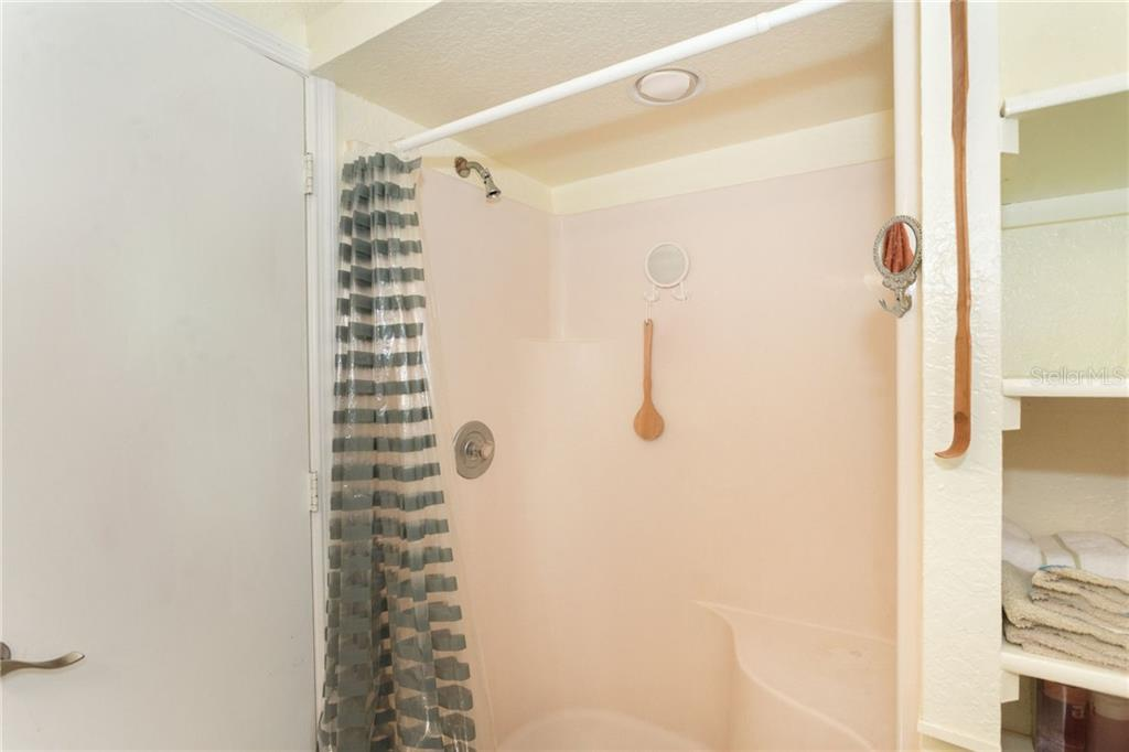 shower in the master bath - Single Family Home for sale at 190 W Wentworth St, Englewood, FL 34223 - MLS Number is D6106918