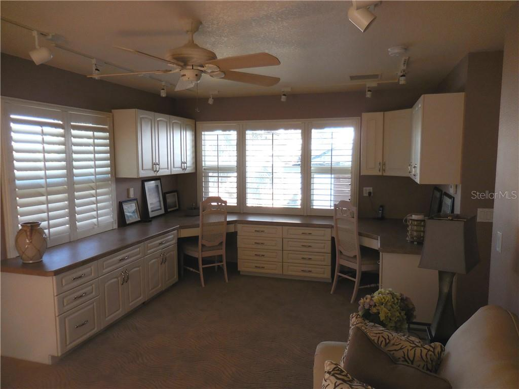 50+ ft Multi-level Bayside Lanai - Single Family Home for sale at 185 Sabal Ln, Englewood, FL 34223 - MLS Number is D6110218