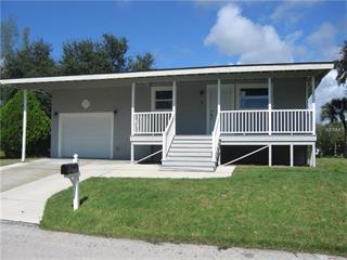 2 Cove Ln, Englewood, FL 34223