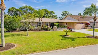 17 Oakland Hills Ct, Rotonda West, FL 33947