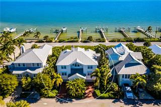 565 Buttonwood Bay Dr, Boca Grande, FL 33921