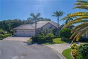 Beautifully Landscaped - Single Family Home for sale at 422 Wincanton Pl, Venice, FL 34293 - MLS Number is D6101809