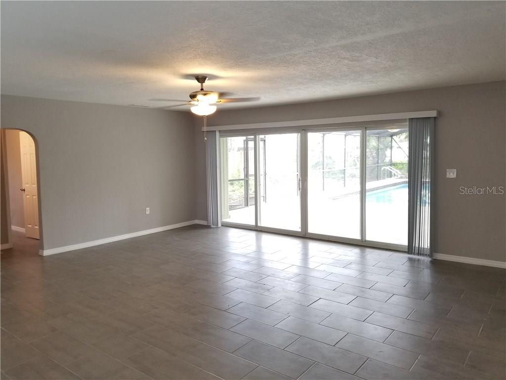 Single Family Home for sale at 7329 Phillips St, Sarasota, FL 34243 - MLS Number is T2929522