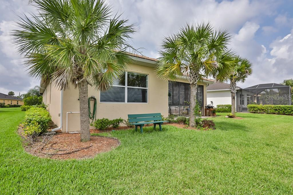 Single Family Home for sale at 5044 Lake Overlook Ave, Bradenton, FL 34208 - MLS Number is T3115730