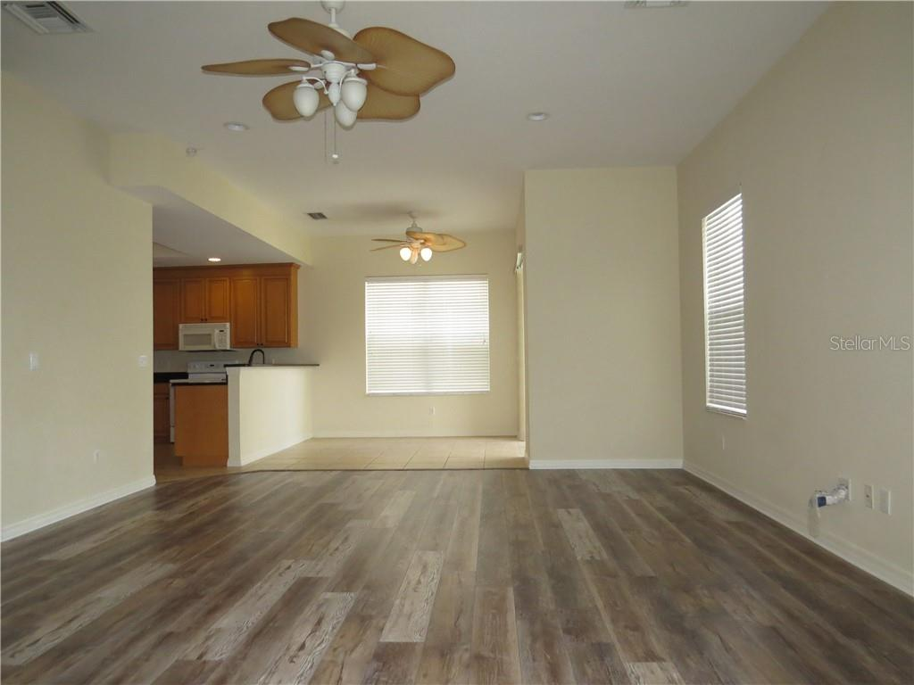 Single Family Home for sale at 6619 38th St E, Sarasota, FL 34243 - MLS Number is T3172773