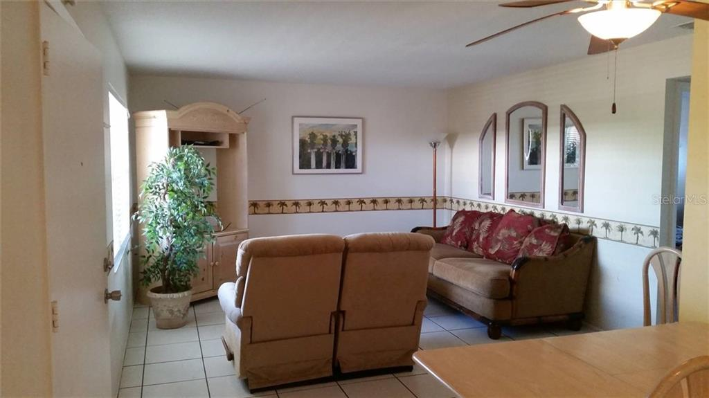 Condo for sale at 400 Base Ave E #225, Venice, FL 34285 - MLS Number is T3276987