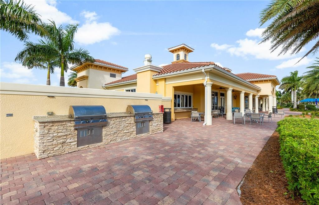 Single Family Home for sale at 13298 Borrego St, Venice, FL 34293 - MLS Number is T3277721