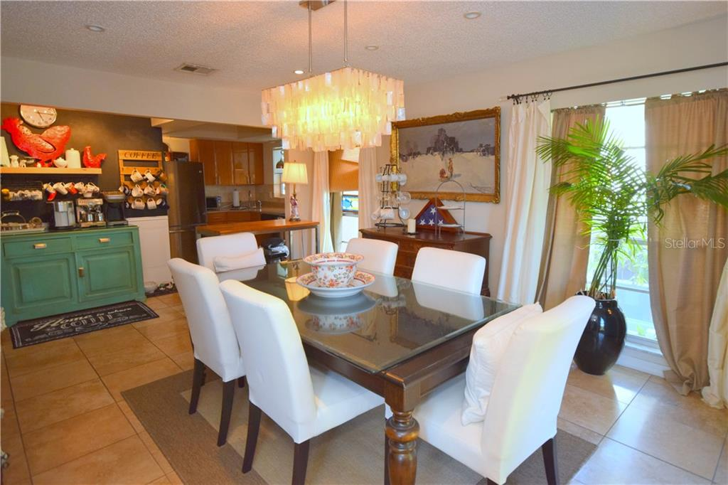 You have your own Coffee Bar area in the home. - Single Family Home for sale at 209 Garfield Dr, Sarasota, FL 34236 - MLS Number is U8021457