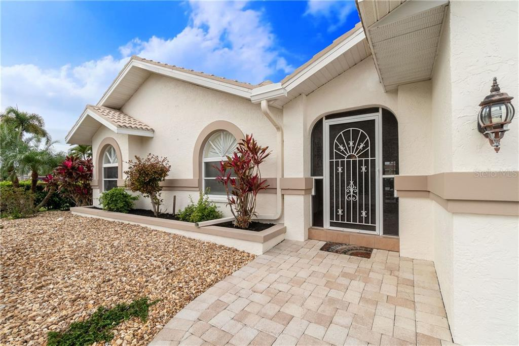 Beautiful paver drive and walkway - Single Family Home for sale at 572 Toulouse Dr, Punta Gorda, FL 33950 - MLS Number is C7411184