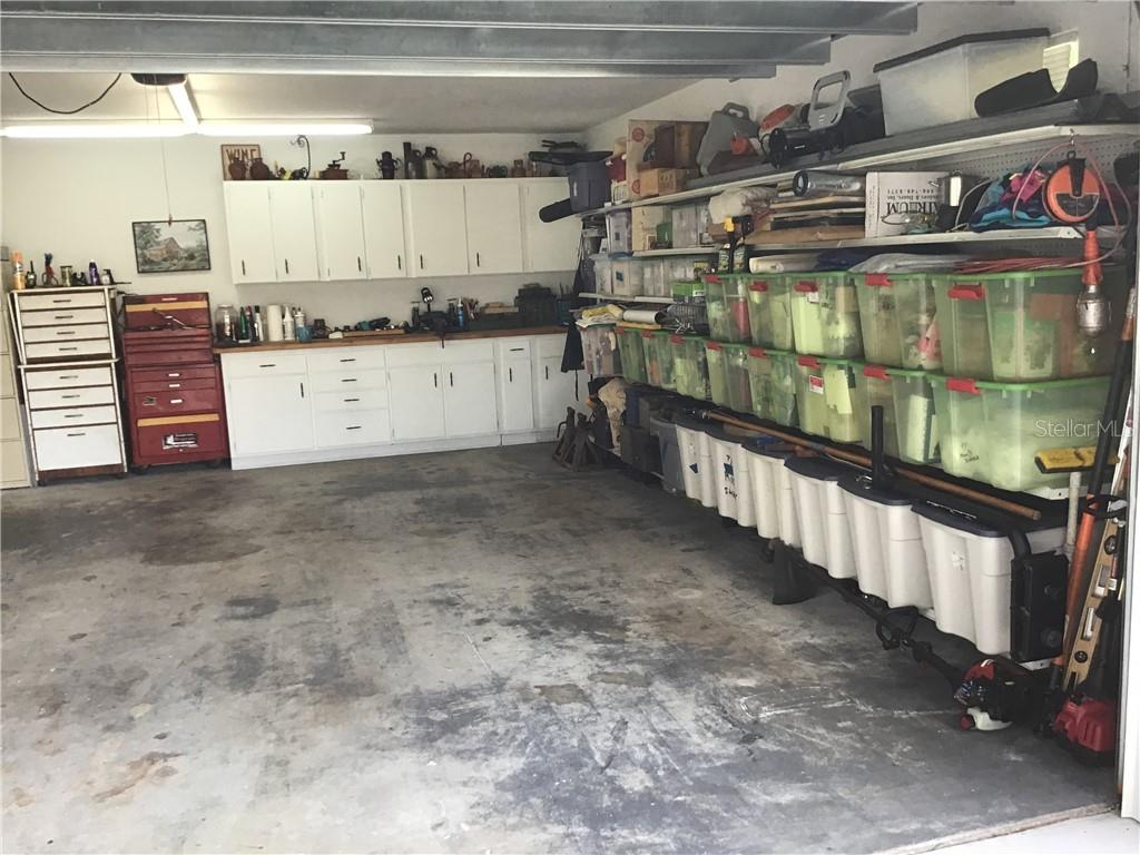 Oversized Garage with work place - Single Family Home for sale at 1302 Pinebrook Way, Venice, FL 34285 - MLS Number is C7435367