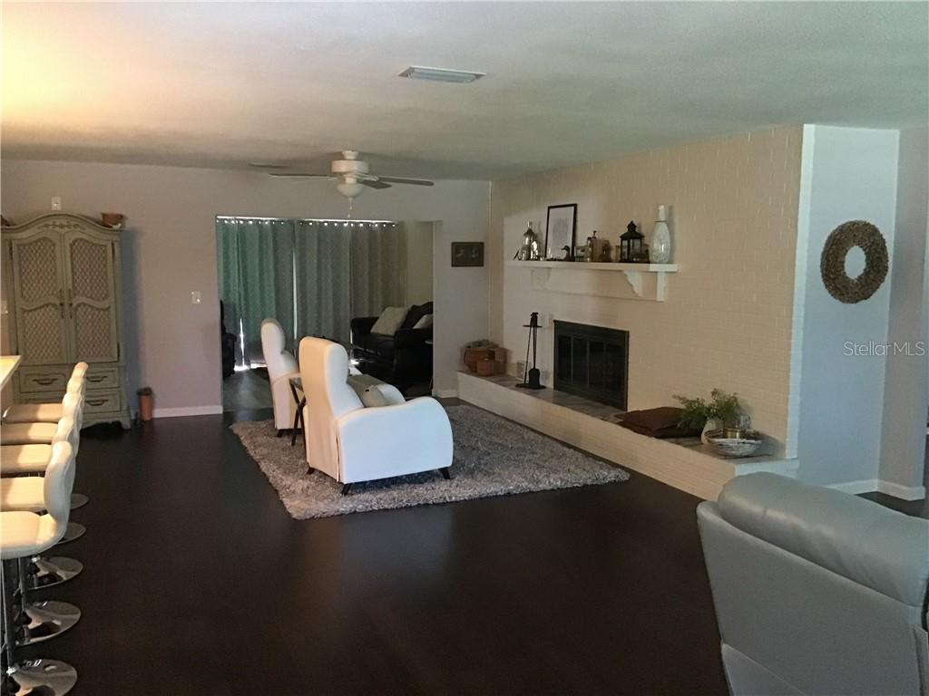 Living Room View - Single Family Home for sale at 1302 Pinebrook Way, Venice, FL 34285 - MLS Number is C7435367