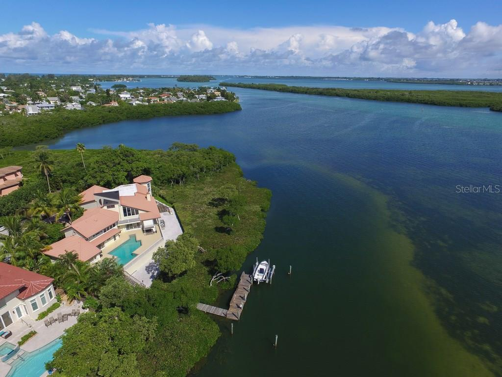Additional photo for property listing at 741 Hideaway Bay Dr  Longboat Key, Флорида,34228 Соединенные Штаты
