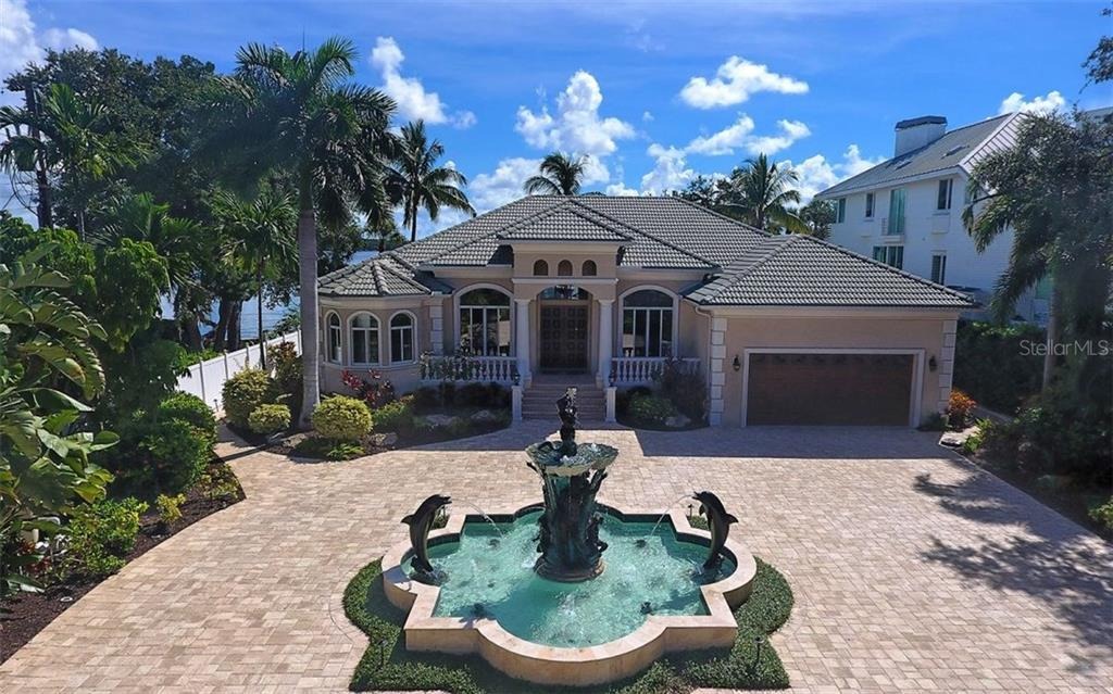 Additional photo for property listing at 8447 Midnight Pass Rd  Sarasota, Florida,34242 United States