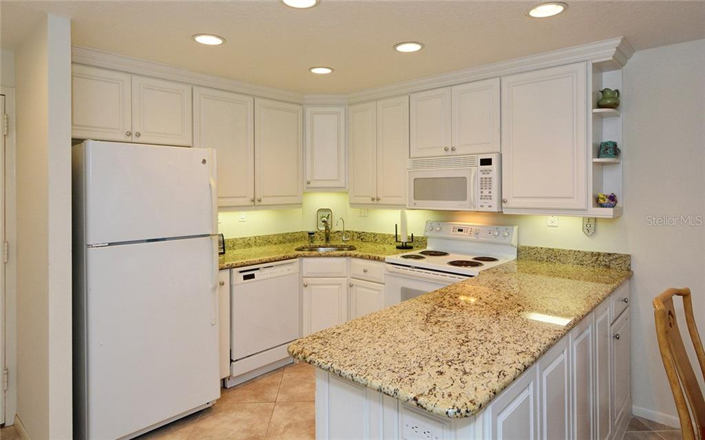 Condo for sale at 1050 Longboat Club Rd #305, Longboat Key, FL 34228 - MLS Number is A4171118