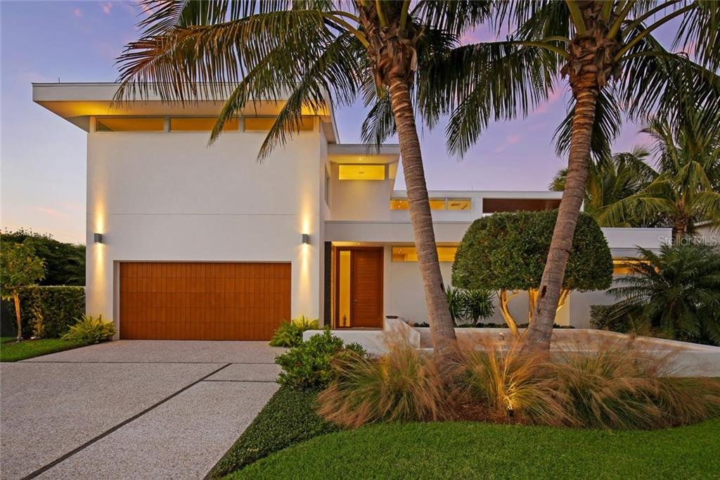 Modern Silhouette with three bedrooms (two Master Suites) & four bathrooms. - Single Family Home for sale at 593 Rountree Dr, Longboat Key, FL 34228 - MLS Number is A4172941