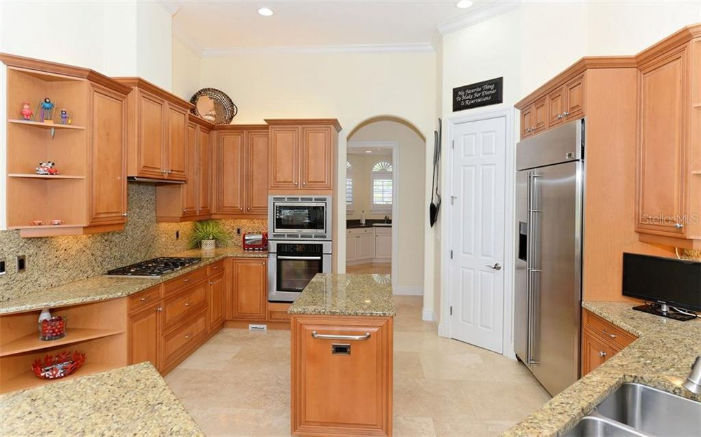 Master bathroom - Single Family Home for sale at 624 Mourning Dove Dr, Sarasota, FL 34236 - MLS Number is A4174849