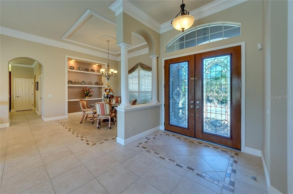 Single Family Home for sale at 2002 154th St E, Bradenton, FL 34212 - MLS Number is A4176318