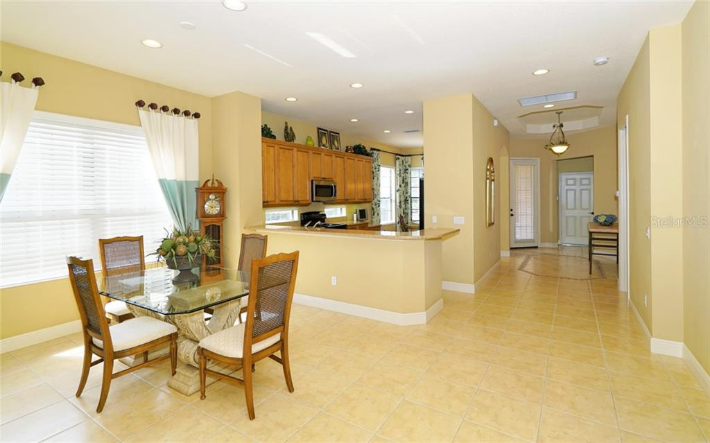 Single Family Home for sale at 7127 Presidio Gln, Lakewood Ranch, FL 34202 - MLS Number is A4179294
