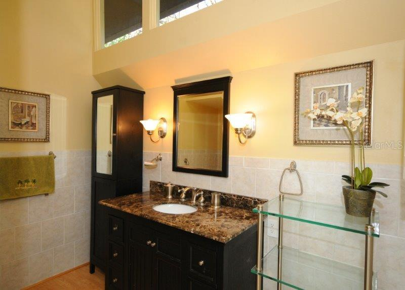 Master bathroom - Condo for sale at 2215 Circlewood Dr #46, Sarasota, FL 34231 - MLS Number is A4180138