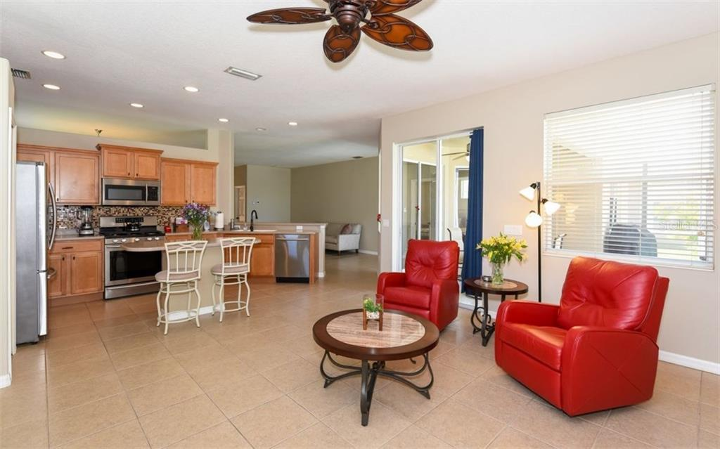 Single Family Home for sale at 14250 Cattle Egret Pl, Lakewood Ranch, FL 34202 - MLS Number is A4181090