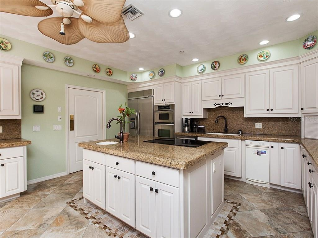 Single Family Home for sale at 1265 Bayshore Dr, Englewood, FL 34223 - MLS Number is A4181501