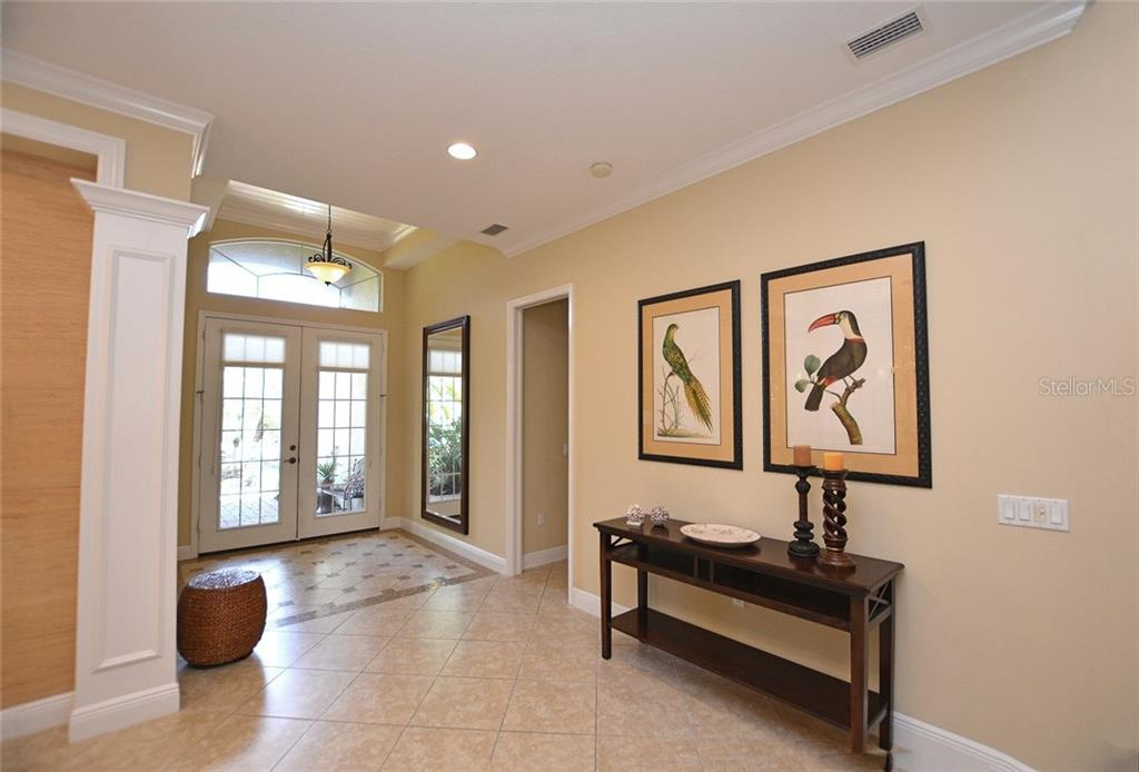 Entry - Single Family Home for sale at 12330 Thornhill Ct, Lakewood Ranch, FL 34202 - MLS Number is A4183351