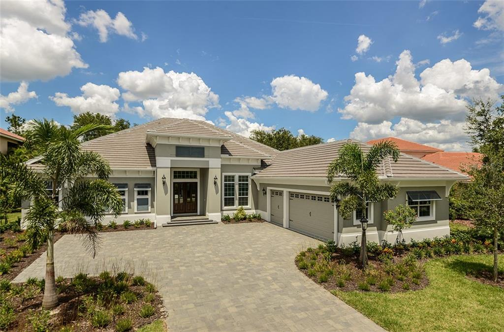 Single Family Home for sale at 12559 Highfield Cir, Lakewood Ranch, FL 34202 - MLS Number is A4183568