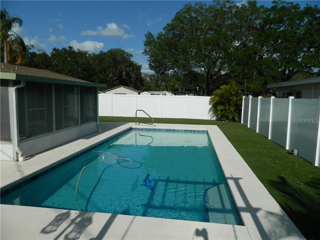 Single Family Home for sale at 4905 27th Ave W, Bradenton, FL 34209 - MLS Number is A4183779