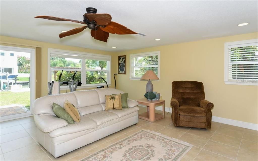 Lower level guest quarters. - Single Family Home for sale at 1627 Shelburne Ln, Sarasota, FL 34231 - MLS Number is A4184556