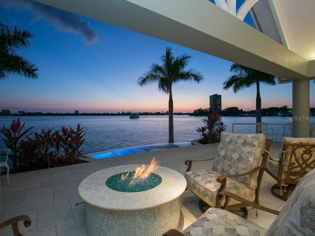 Outdoor terrace - Single Family Home for sale at 100 S Warbler Ln, Sarasota, FL 34236 - MLS Number is A4184994