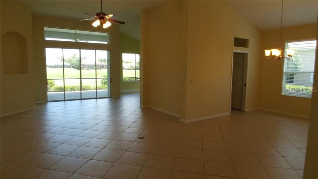 Great Room - Single Family Home for sale at 7111 Sandhills Pl, Lakewood Ranch, FL 34202 - MLS Number is A4185112
