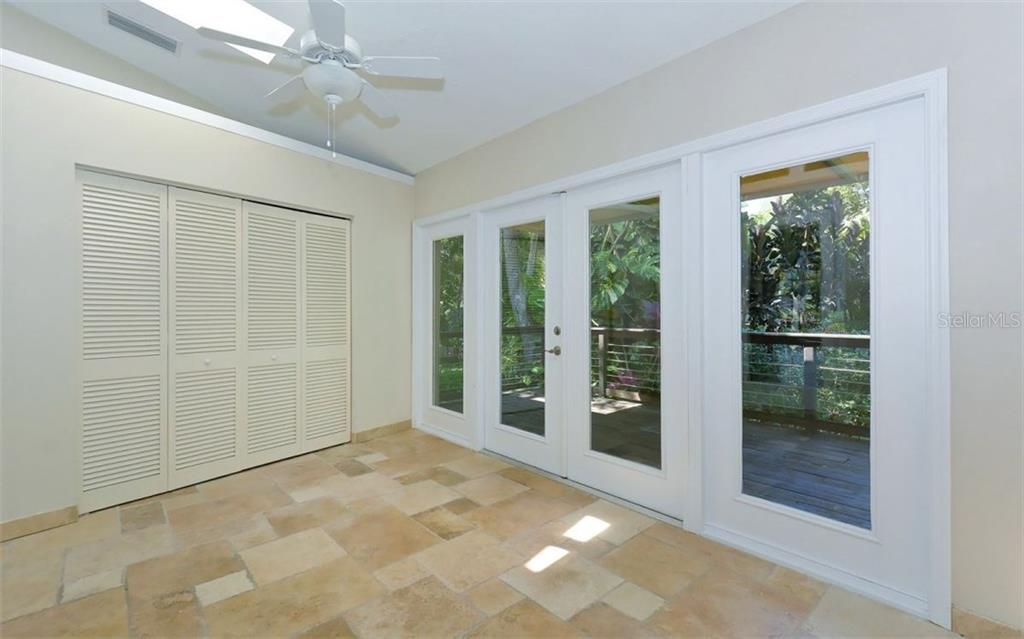 Single Family Home for sale at 4548 Trails Dr, Sarasota, FL 34232 - MLS Number is A4187918