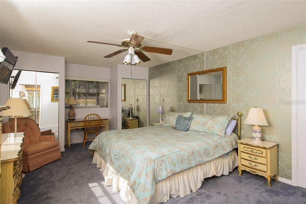 Master bedroom - Condo for sale at 5800 Hollywood Blvd #113, Sarasota, FL 34231 - MLS Number is A4188016