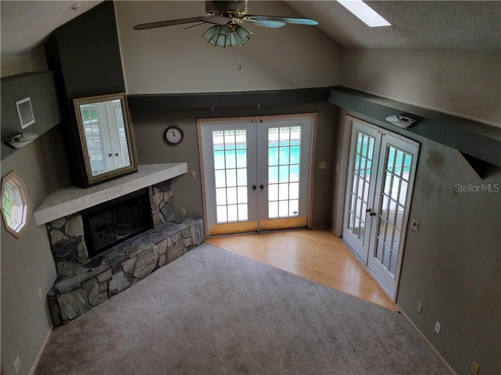 Single Family Home for sale at 4588 Iola Dr, Sarasota, FL 34231 - MLS Number is A4188972