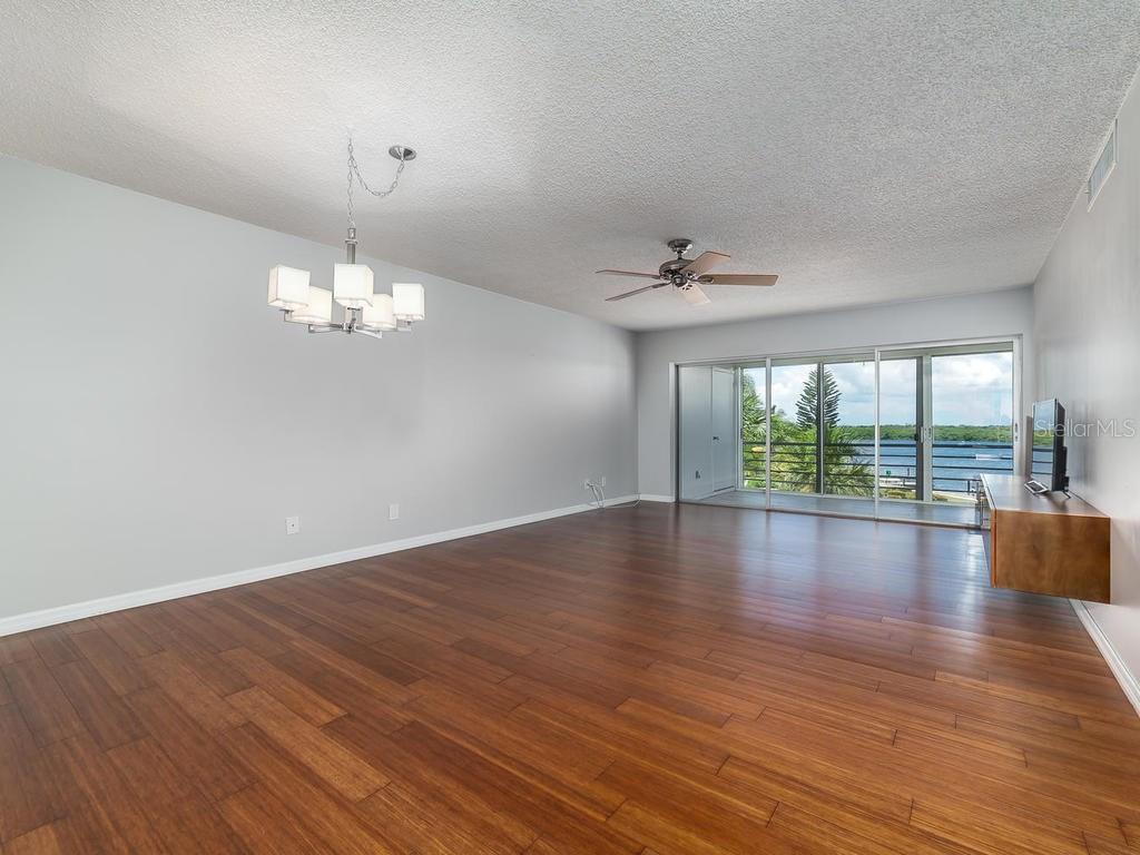 Condo for sale at 4440 Exeter Dr #303, Longboat Key, FL 34228 - MLS Number is A4188978