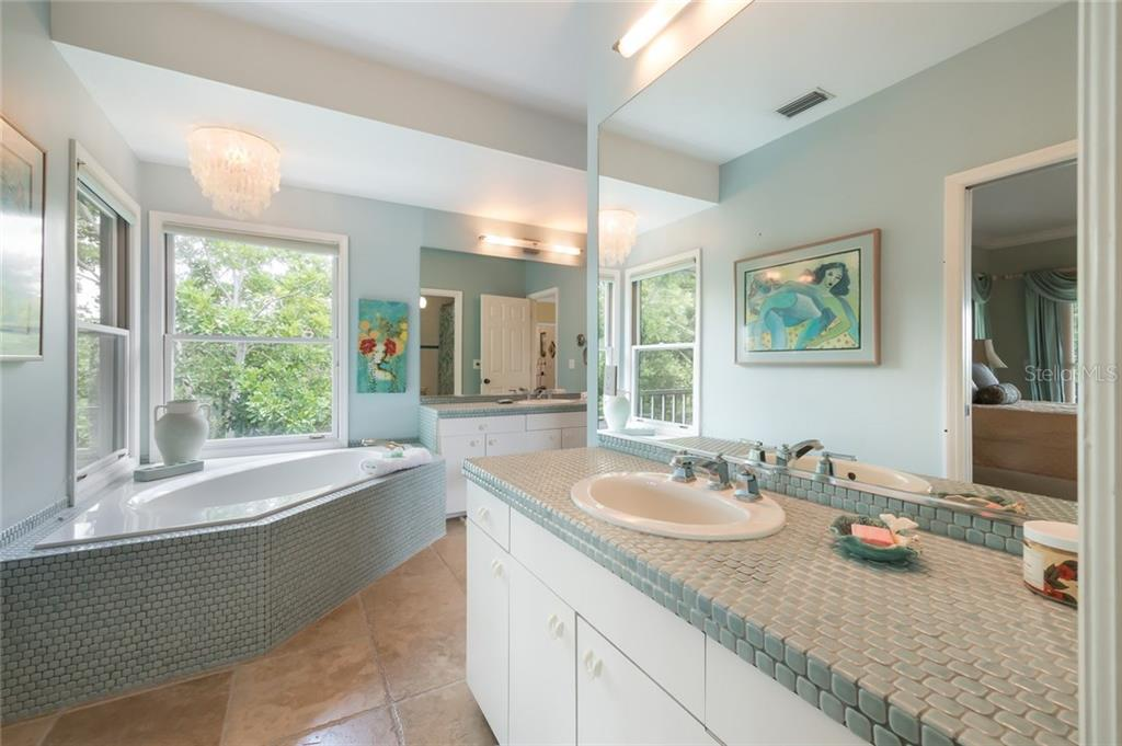Master bath - Single Family Home for sale at 2560 Tarpon Rd, Palmetto, FL 34221 - MLS Number is A4189616