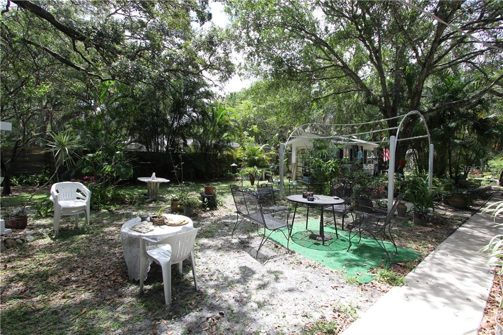 Single Family Home for sale at 1423 S Shade Ave, Sarasota, FL 34239 - MLS Number is A4189673