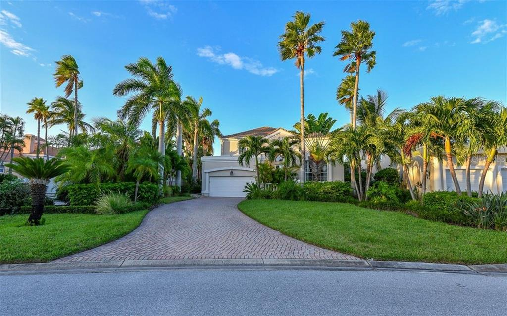 Single Family Home for sale at 3626 Fair Oaks Pl, Longboat Key, FL 34228 - MLS Number is A4193121