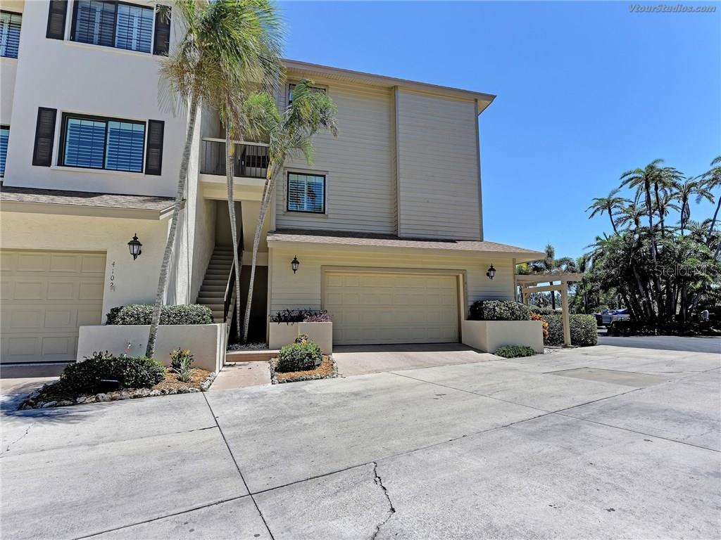 Your own 2-car garage - Condo for sale at 4106 Marina Ct #622, Cortez, FL 34215 - MLS Number is A4195845