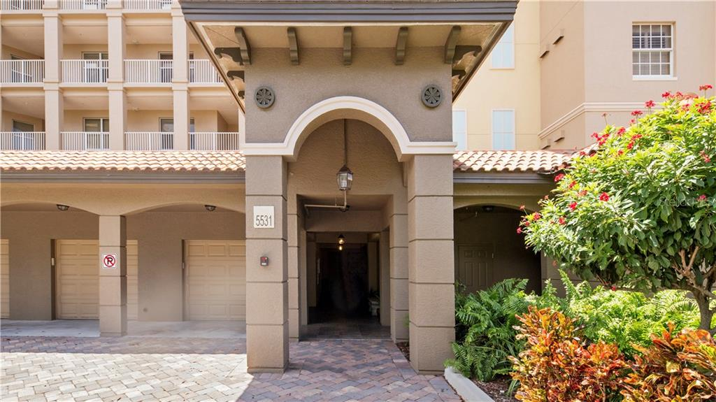 Entryway - Condo for sale at 5531 Cannes Cir #306, Sarasota, FL 34231 - MLS Number is A4196722