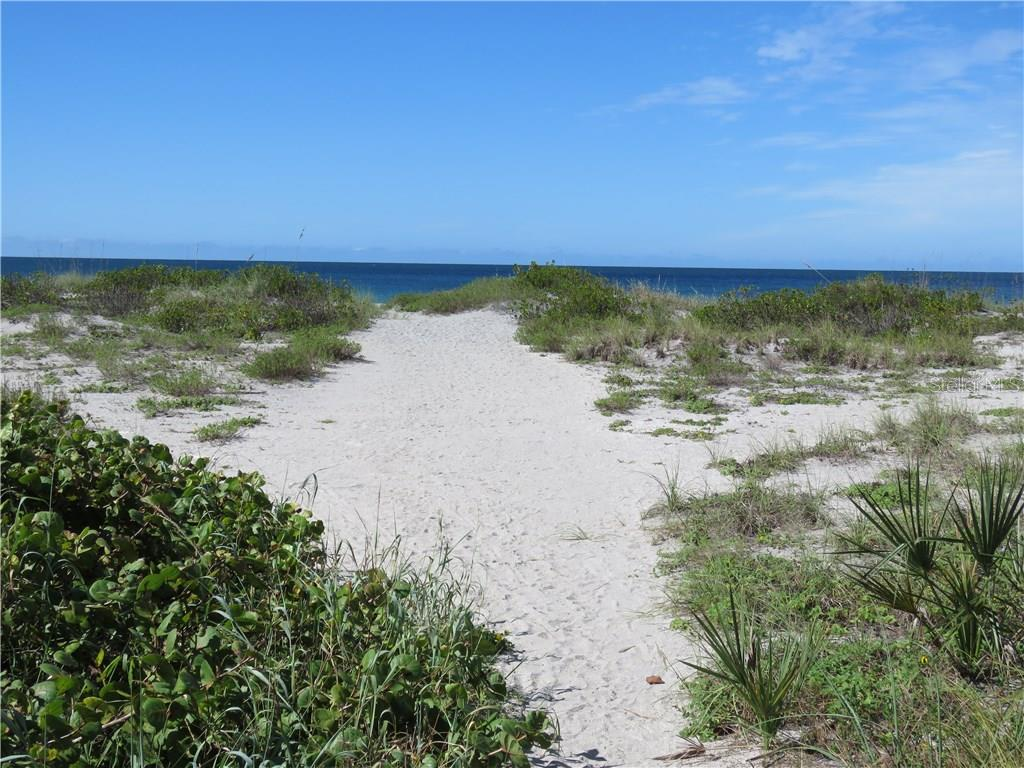 The Gulf is waiting for you with convenient deeded beach access. - Single Family Home for sale at 829 Harbor Dr S, Venice, FL 34285 - MLS Number is A4198898