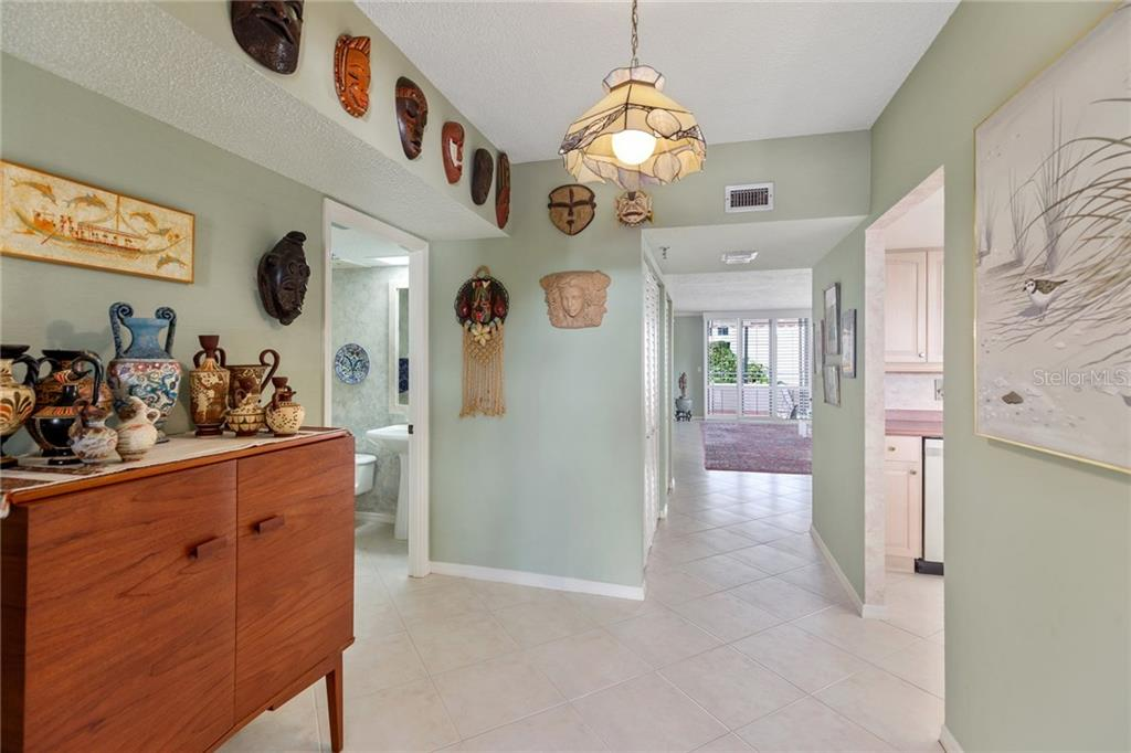 Floor plan - Condo for sale at 1445 Gulf Of Mexico Dr #305, Longboat Key, FL 34228 - MLS Number is A4199470