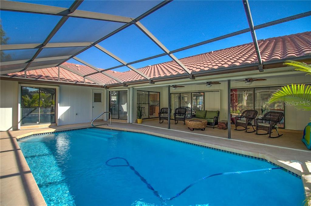 Salt Water Pool - Single Family Home for sale at 1087 Hoover Cir, Nokomis, FL 34275 - MLS Number is A4201722