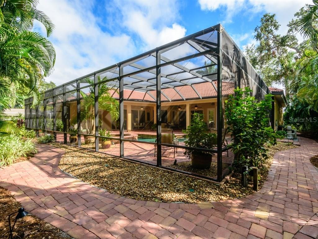 7654 Cove Ter, Sarasota, FL 34231 - MLS A4201743