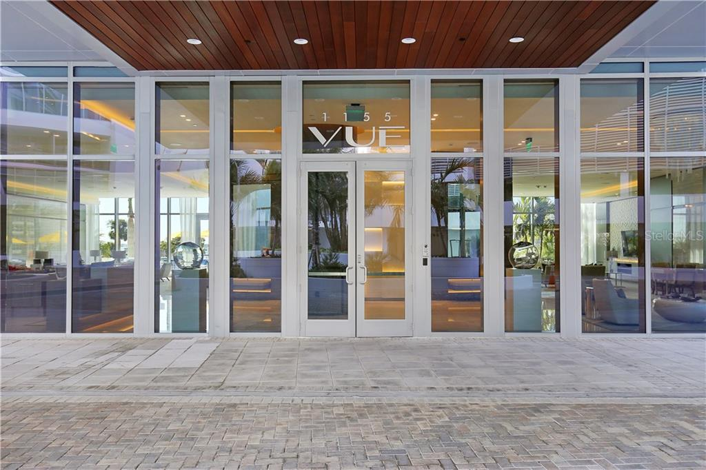 Building entrance - Condo for sale at 1155 N Gulfstream Ave #305, Sarasota, FL 34236 - MLS Number is A4202467